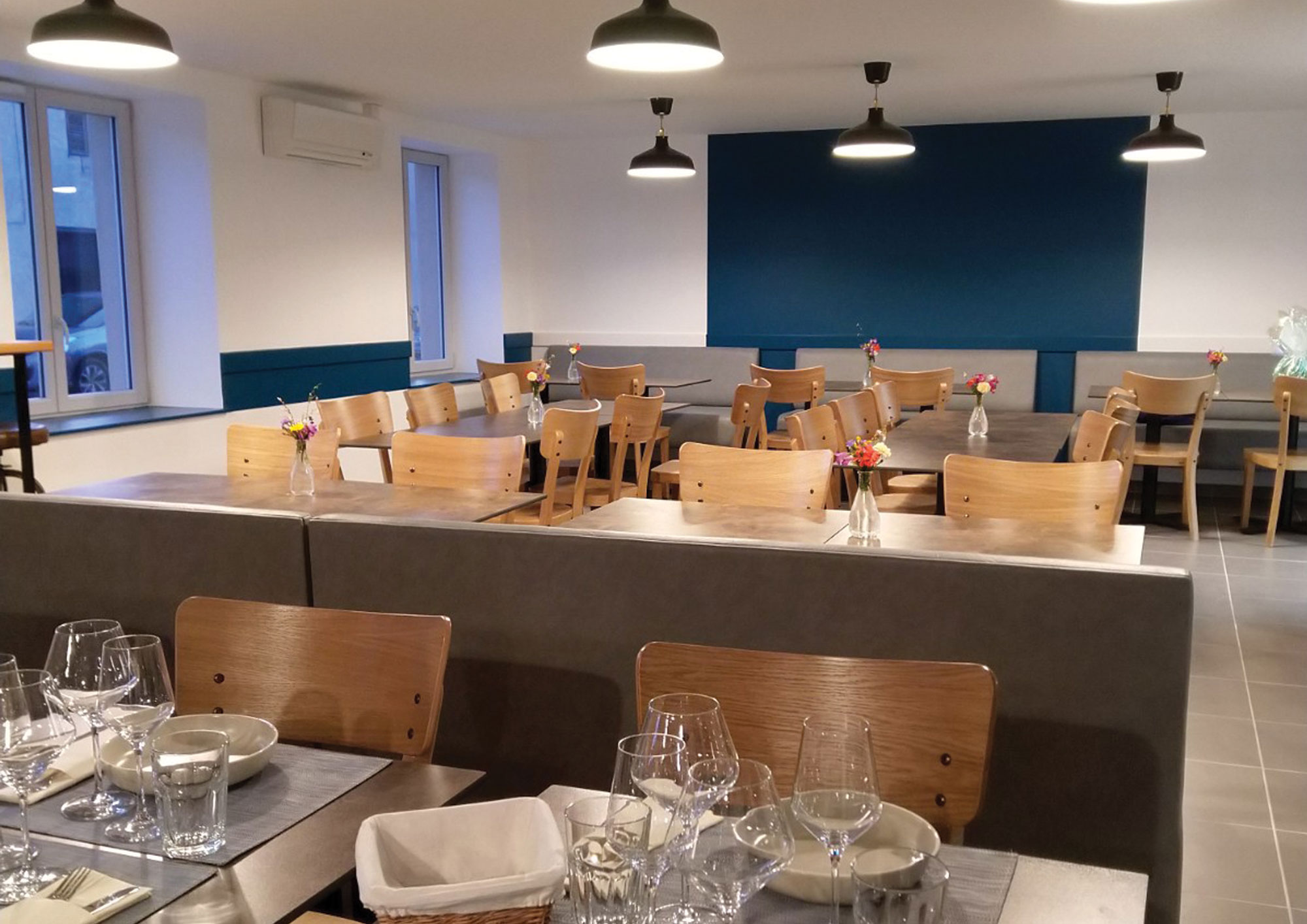 pack-deco-agencement-interieur-salle-restaurant-chez-jups-saint-aubin-jura