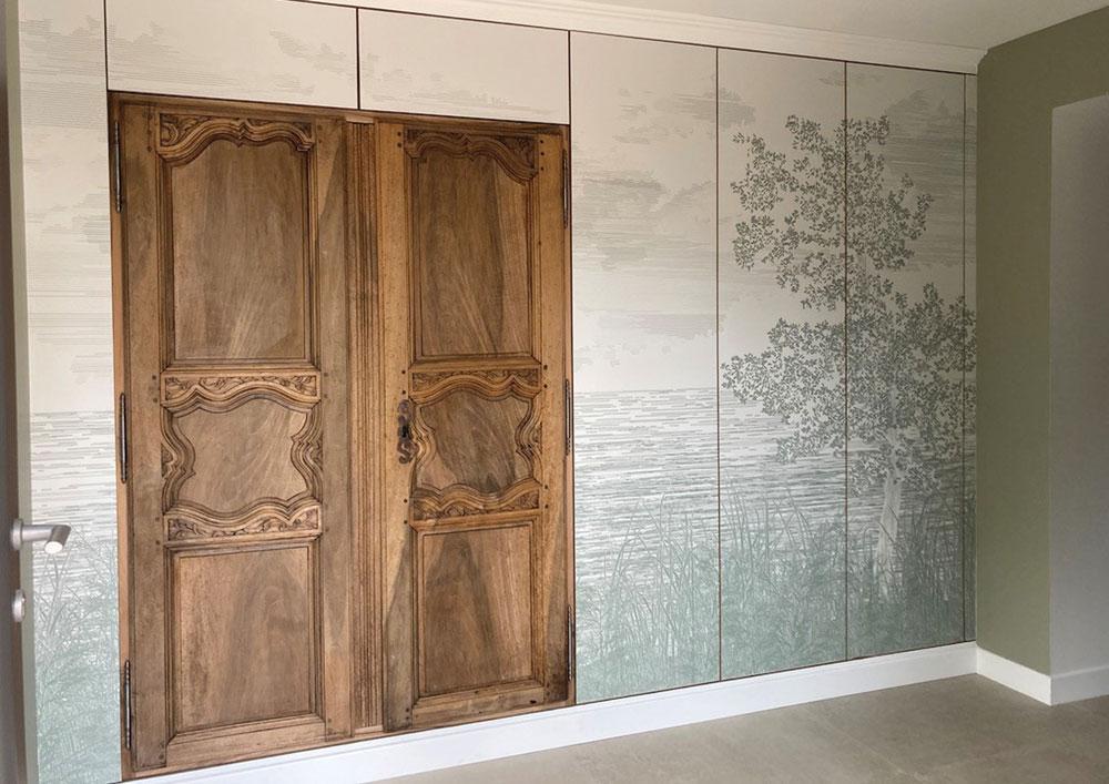 meuble-sur-mesure-entree-panneau-decoratif-porte-noyer-entree-maison-lyon-5
